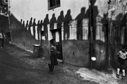 Ferdinando Scianna, Festa del Crocifisso, Capizzi, 1982 © l'artista