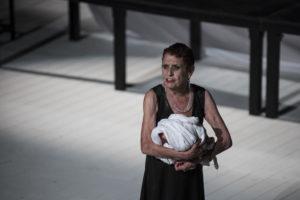 Angela Pagano in Le Troiane regia di Valery Fokin e Nicolay Roschin