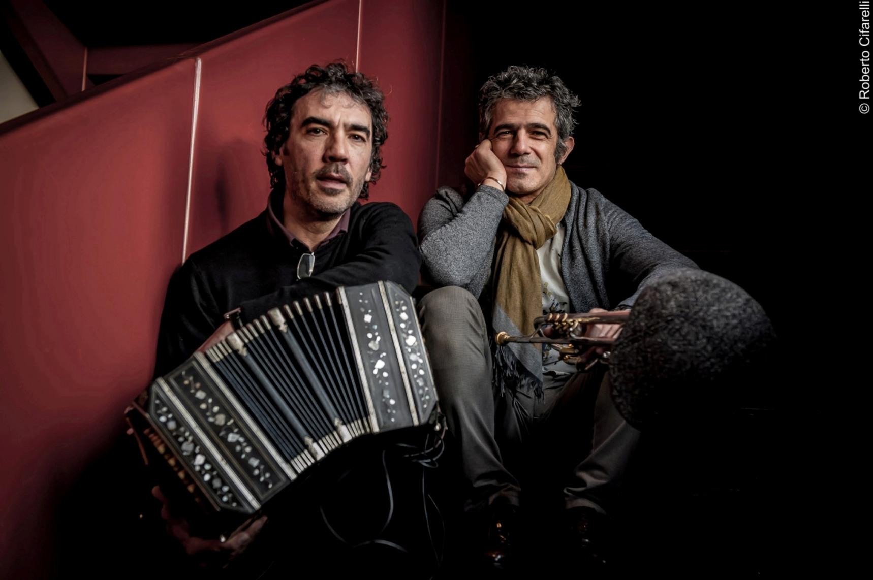 Paolo Fresu & Daniele Di Bonaventura (Foto di Roberto Cifarelli)